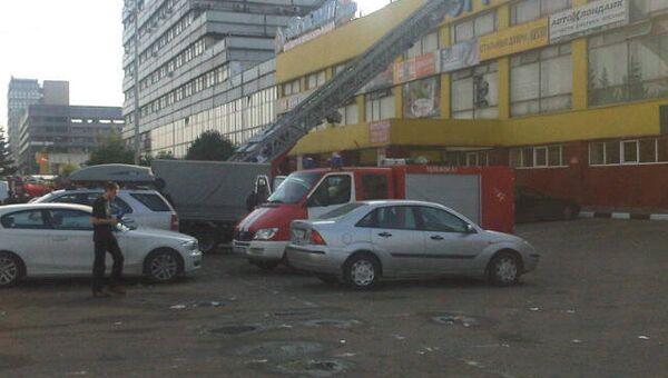 Обрушение торгового центра на западе Москвы