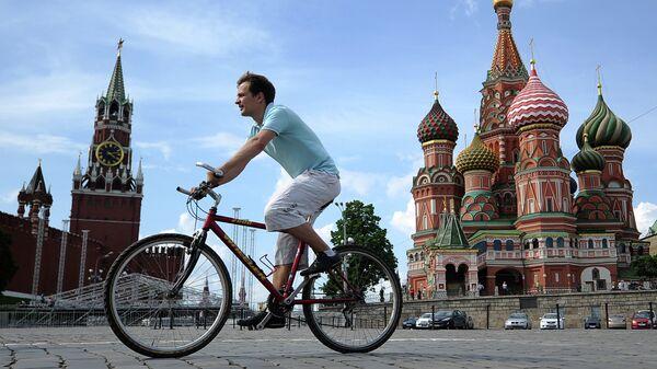 Москвич на велосипеде