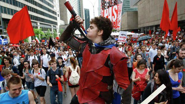Массовое шествие студентов в Монреале