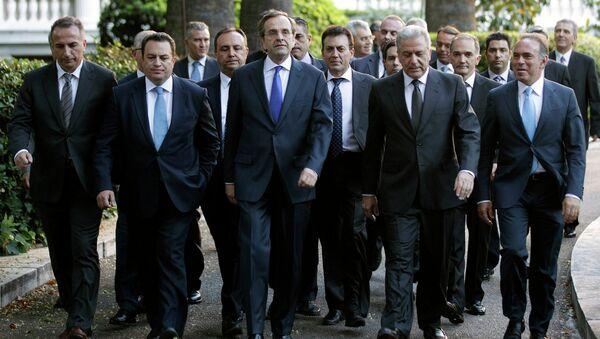 Премьер Греции Антонис Самарас и члены правительства