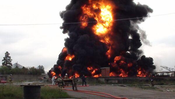 Пожар на нефтехранилище в Ангарске