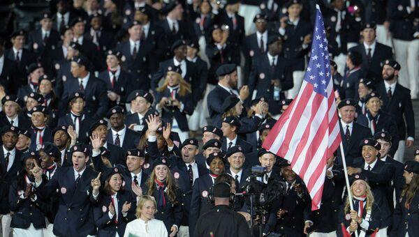 Делегация США во время парада олимпийских сборных на церемонии открытия ХХХ летних Олимпийских игр в Лондоне