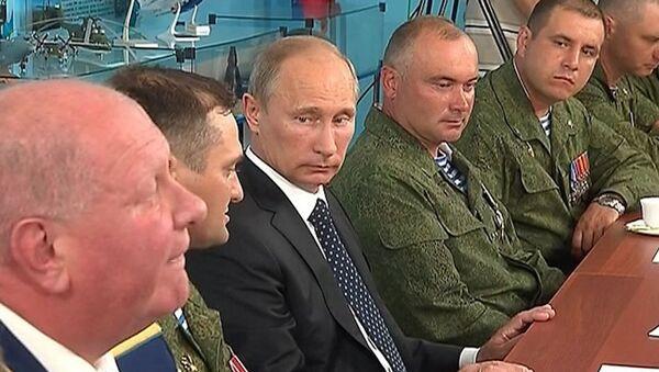 Путин порекомендовал десантникам в День ВДВ вести себя достойно