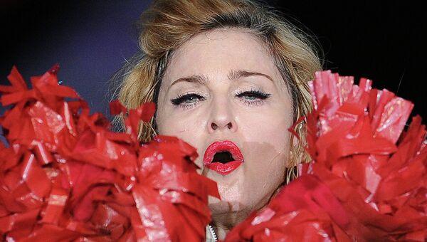 Мадонна. Архив