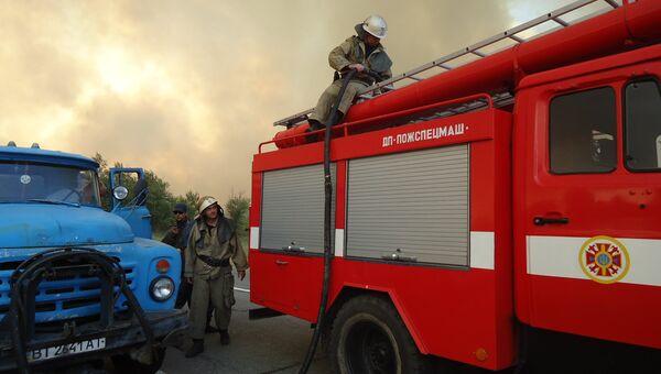 Тушение пожара на Украине, архивное фото