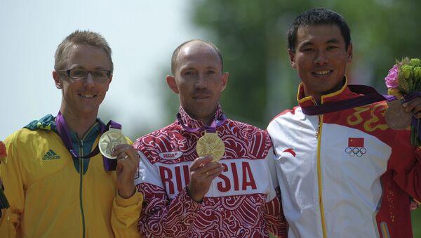 Призеры соревнований легкоатлетического турнира по спортивной ходьбе среди мужчин на дистанции 50 км