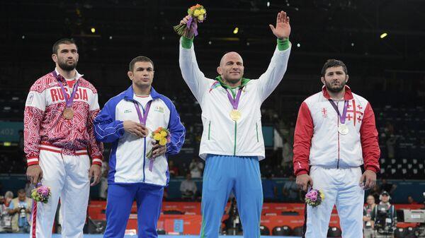 Призеры соревнований среди мужчин по вольной борьбе