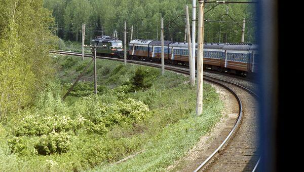 Движение поездов на Транссибе было приостановлено из-за схода вагонов