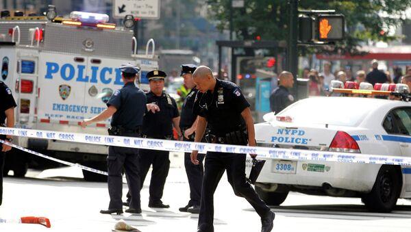 Полиция работает на месте перестрелки возле Empire State Building в Нью-Йорке