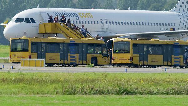 Самолет испанской авиакомпании Vueling Airlines. Архивное фото