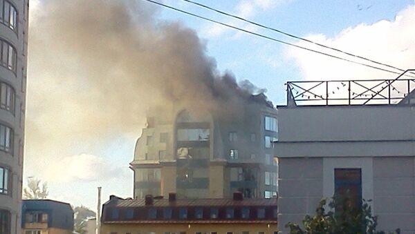Пожар в бизнец-центре у метро Выборгская в Петербурге