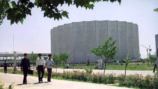 Вид на Дворец искусств в Ташкенте