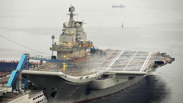 Первый китайский авианосец в доках порта Далянь, 22 сентября 2012, архивное фото