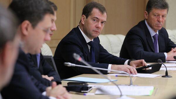 Дмитрий Медведев во время видеоконференции с регионами по вопросам ЖКХ