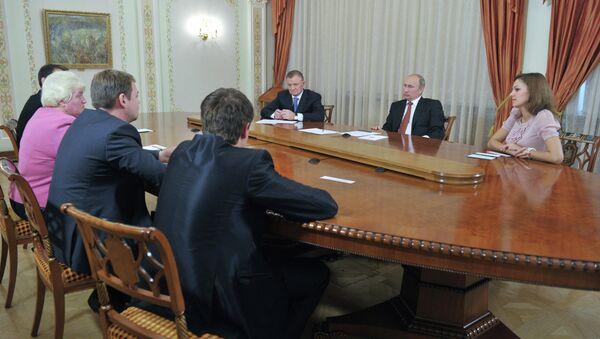 Беседа В.Путина с О.Ковалевым и общественностью Рязани