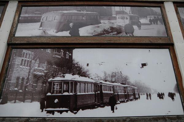 Все 105 лет трамвай курсирует по городу. Всего лишь четыре м