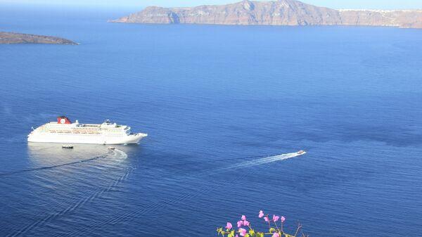 Остров Санторин в Эгейском море. Архивное фото