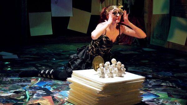 Cцена из спектакля Маскарад в постановке екатеринбургского Коляда-Театра, фото из архива