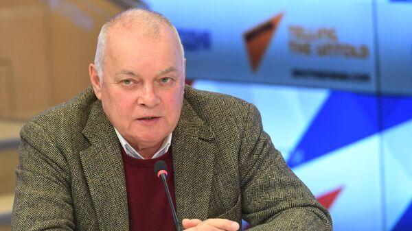 Генеральный директор МИА Россия сегодня Дмитрий Киселев на пресс-конференции, посвященной планам работы Российского исторического общества