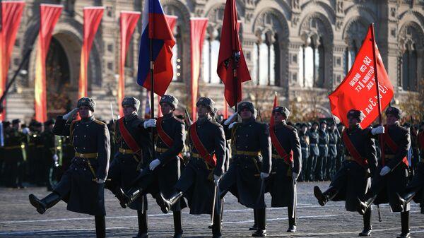 Репетиция марша, посвященного 77-летию военного парада 1941 года, на Красной площади в Москве