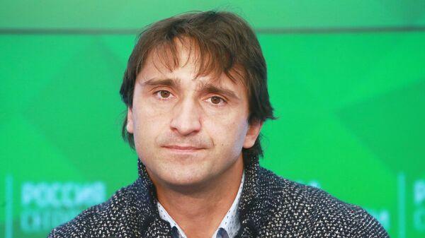 Максим Агапитов