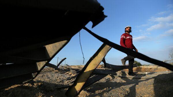 Разрушения на месте израильского авиаудара в южной части сектора Газа. 31 января 2020