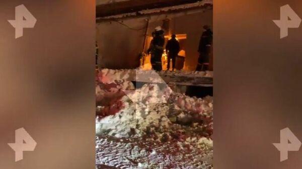 Видео с места обрушения в кафе в Новосибирске