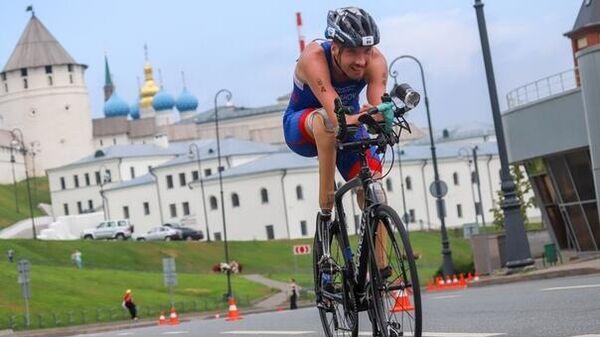 Паратриатлонист Михаил Асташов
