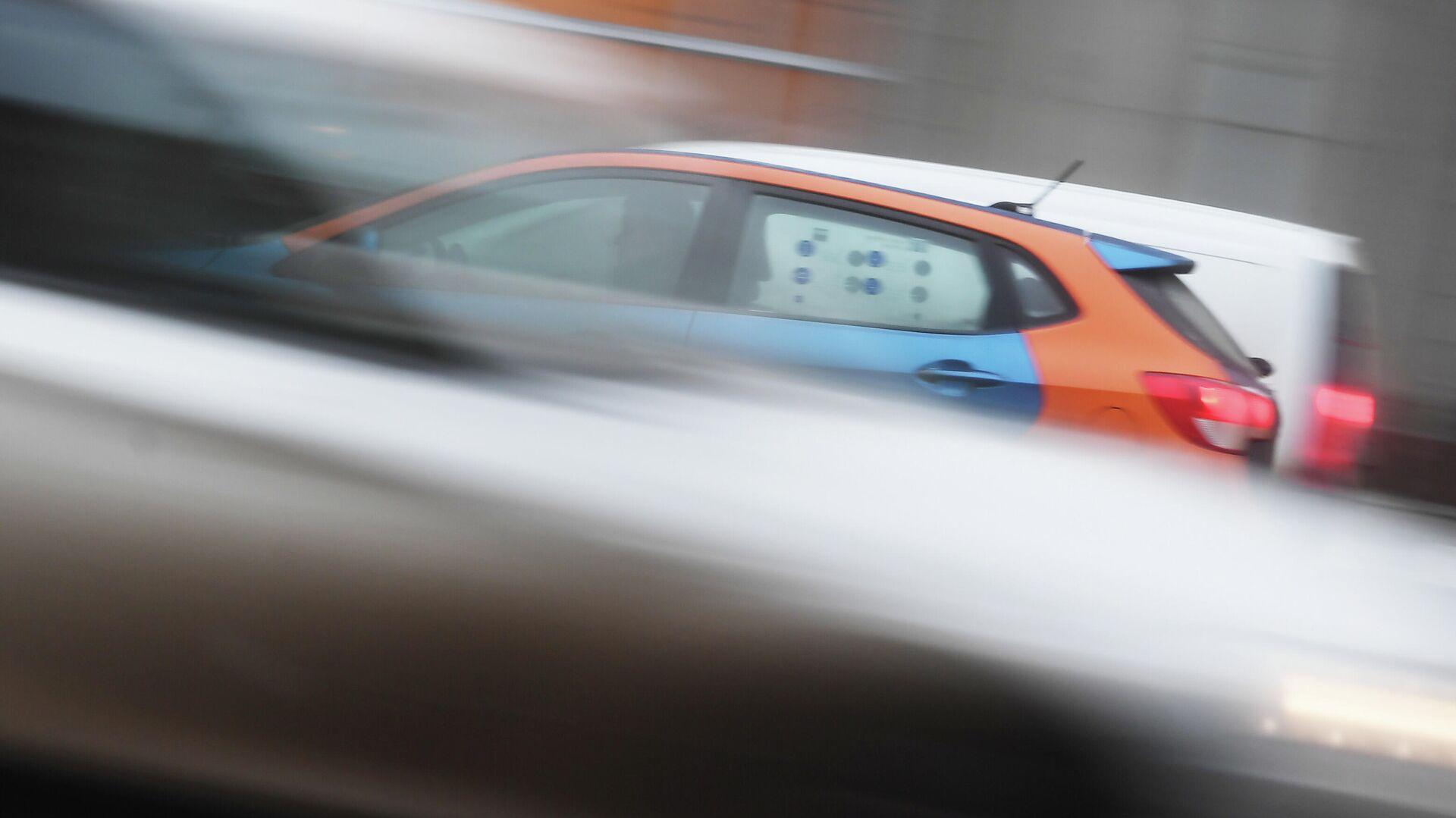 В центре Москвы выборочно проверяют автомобили такси и каршеринга