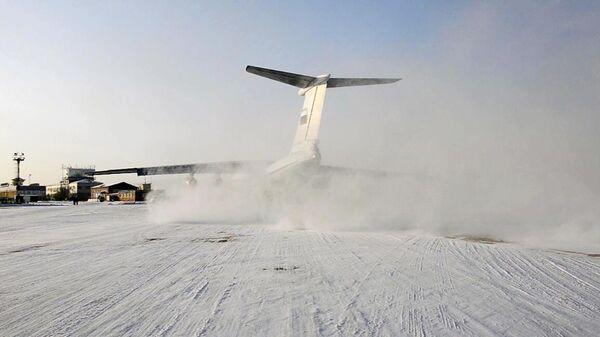 Самолет ВКС России Ил-76 МД, эвакуирующий российских граждан из провинции Хубэй