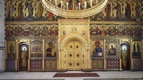 Внутри храма святого апостола и евангелиста Иоанна Богослова на Бронной