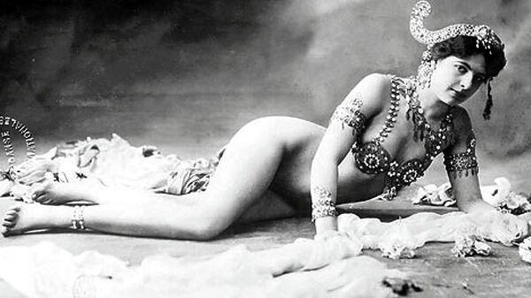 Мата Хари, 1906