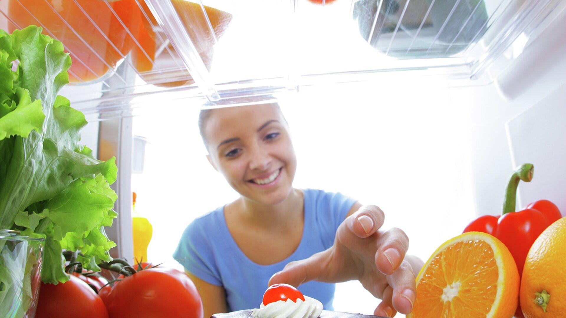 Пирожное в холодильнике - РИА Новости, 1920, 20.09.2020