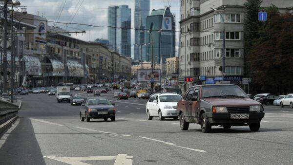 Выделенные полосы для общественного транспорта в Москве. Архив
