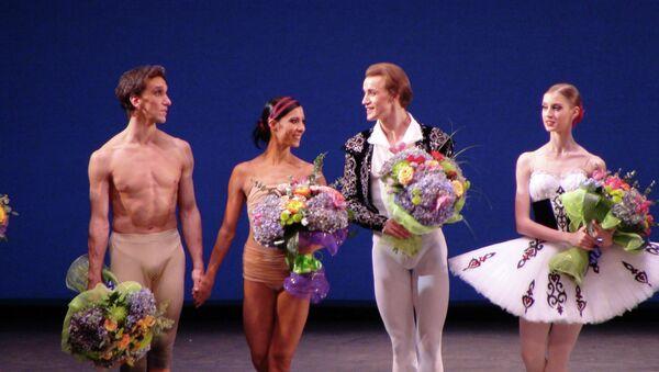 Гала-концерт балета Звезды XXI века на сцене нью-йоркского Линкольн-центра