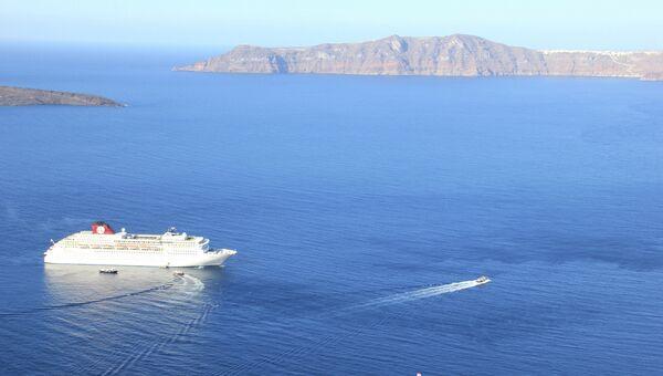 Остров Санторини в Эгейском море, архивное фото