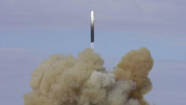 Запуск баллистической ракеты. Архив