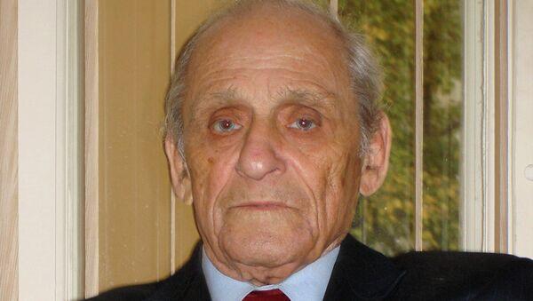 Александр Ревич