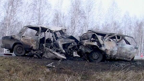 Последствия ДТП, в результате которого сгорели пять человек