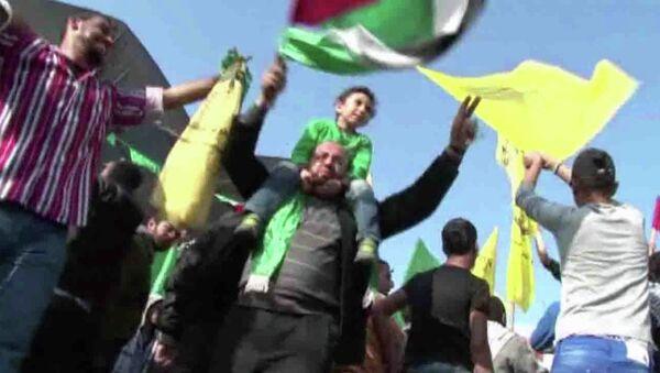 Интерактивный репортаж о реакции израильтян и палестинцев на перемирие
