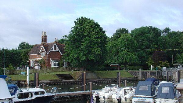 Виды Вейбриджа со стороны Темзы