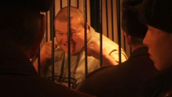 Рыжий Тарзан кривлялся во время оглашения приговора в суде