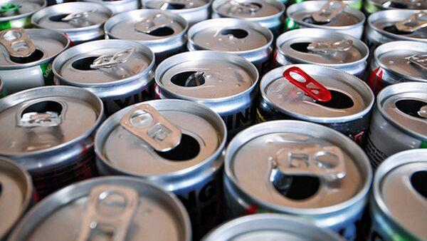 Энергетические напитки, архивное фото