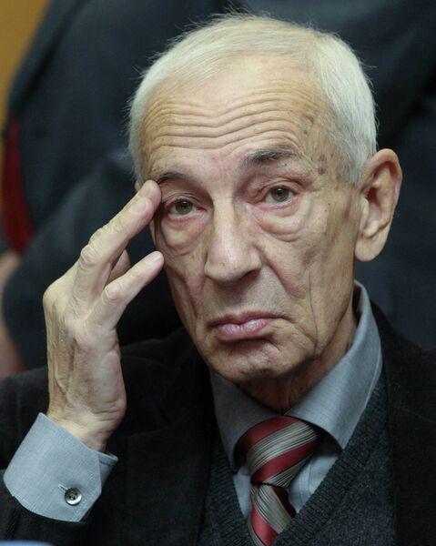 Адвокат Михаила Ходорковского Юрий Шмидт