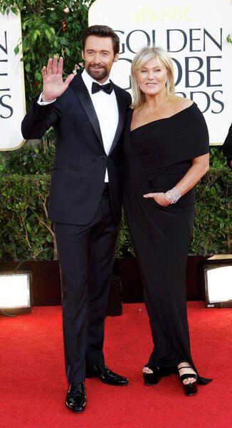 Хью Джекман с женой Деборрой Ли Фернесс на церемонии вручения премии «Золотой глобус»