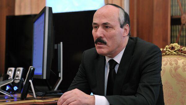 Временно исполняющий обязанности главы Дагестана Р.Абдулатипов. Архив