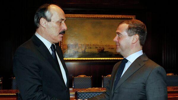 Д.Медведев встретился с Р.Абдулатиповым