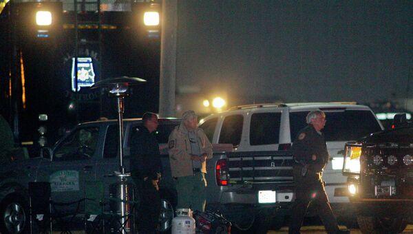 Командный центр правоохранительных сил недалеко от места захвата автобуса в Алабаме