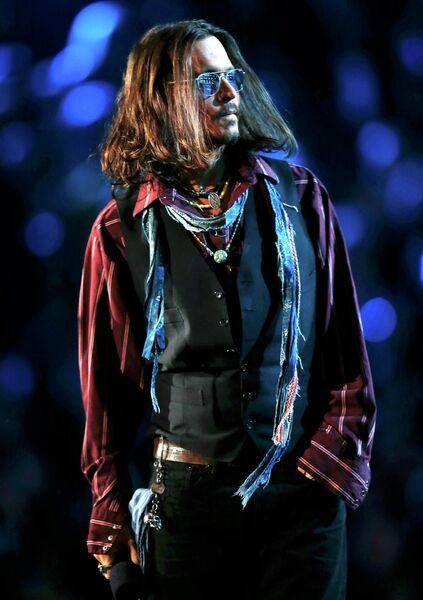 Джонни Депп на церемонии вручения премии Грэмми