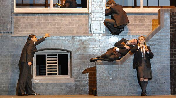 Сцена из спектакля Сон в летнюю ночь в Музыкальном театре Станиславского и Немировича-Данченко